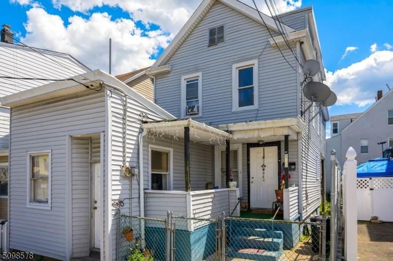 102 Carlisle Ave - Photo 1
