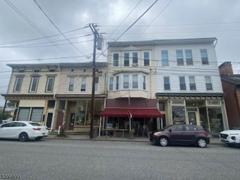 320 Front St - Photo 1