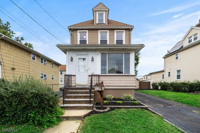 289 W Webster Ave - Photo 1
