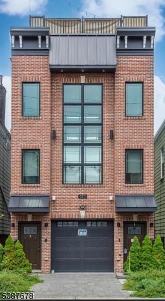 323 New York Ave - Photo 1