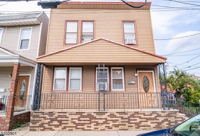 149 Schuyler Ave - Photo 1