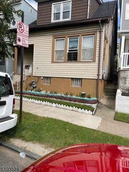 67 Crooks Ave - Photo 1