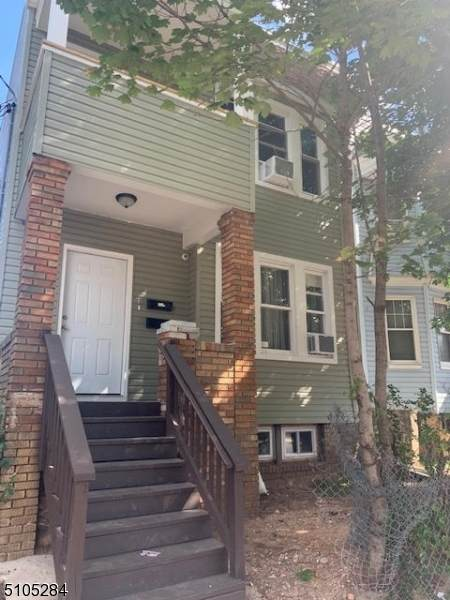 126 21St St, Irvington Twp., NJ 07111 (MLS #3742491) :: The Karen W. Peters Group at Coldwell Banker Realty