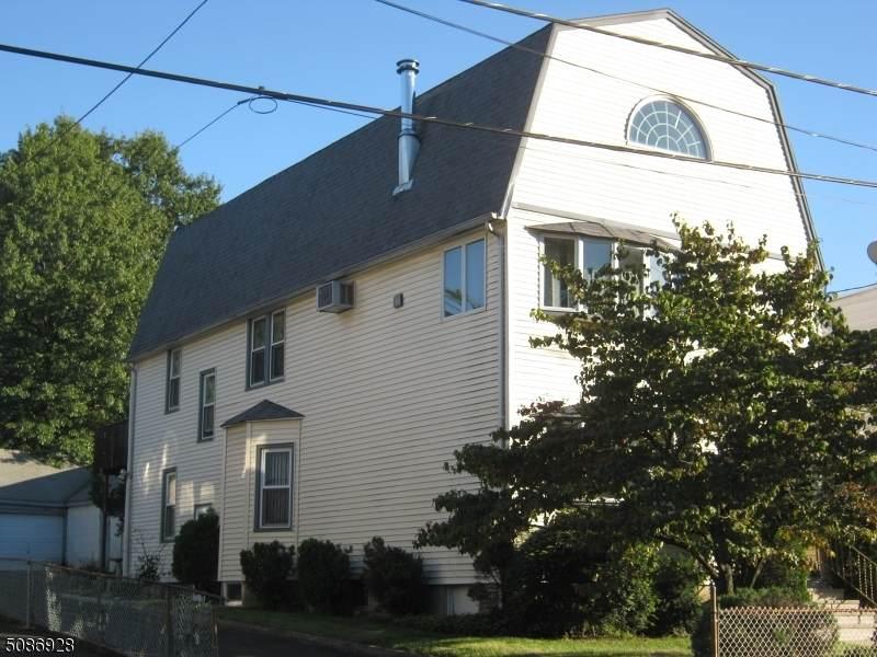 207 E Passaic Ave - Photo 1