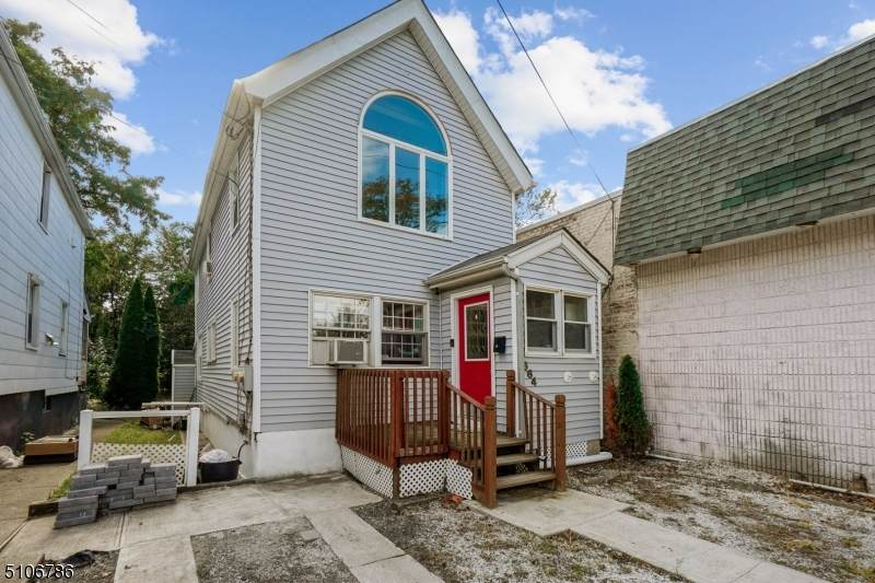 664 Forest St - Photo 1
