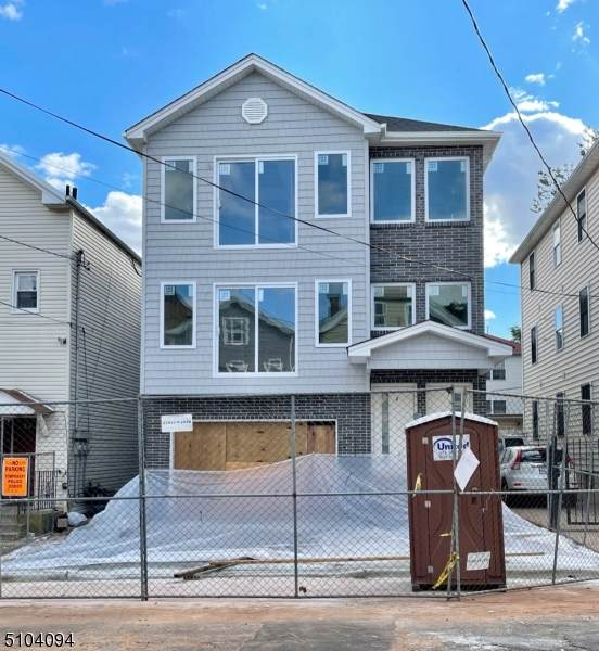 49 Parkhurst St, Newark City, NJ 07114 (MLS #3744080) :: RE/MAX Select