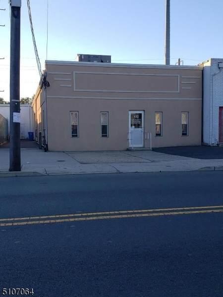 932 E Elizabeth Ave - Photo 1