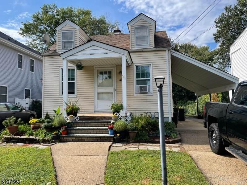 423 Oak Ave - Photo 1