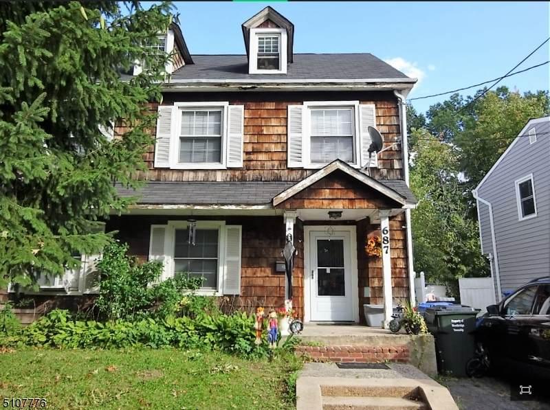 687 West Ave - Photo 1