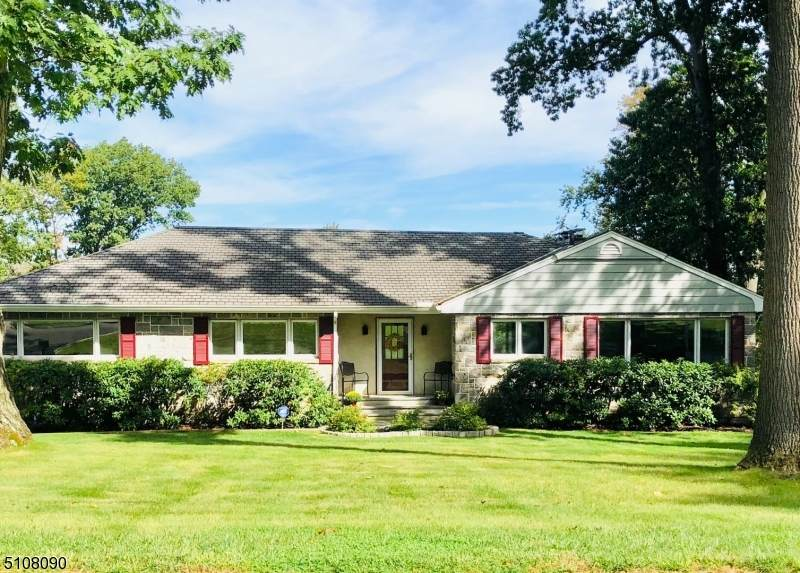 25 Armstrong Rd - Photo 1