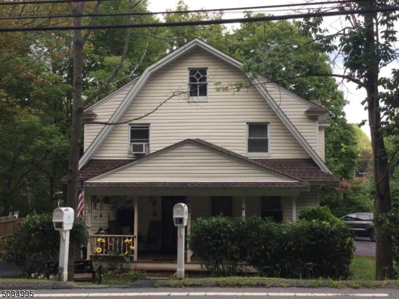 166 Millbrook Ave - Photo 1