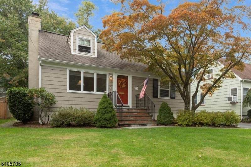 37 Greenfield Ave - Photo 1