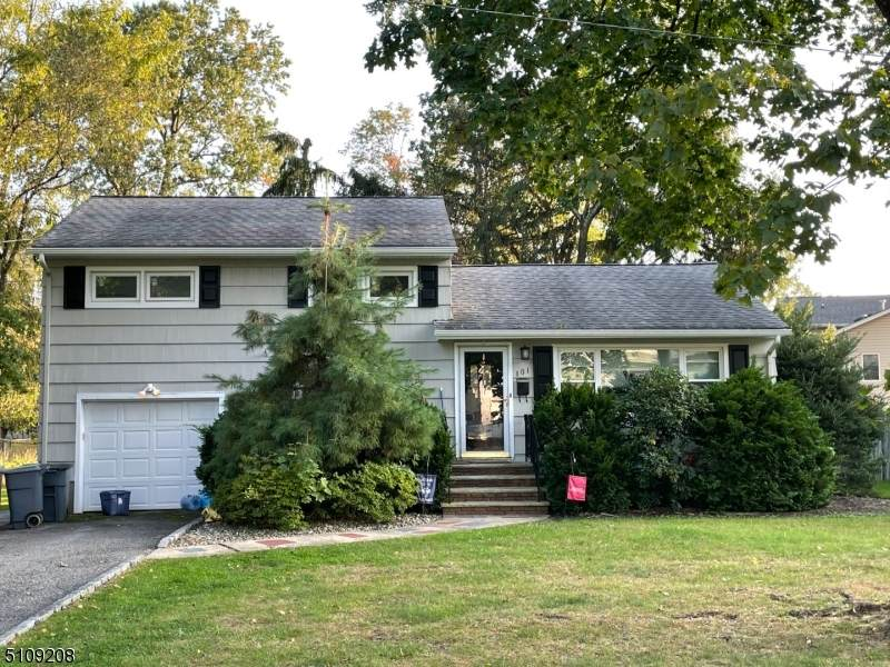 101 Irving Ave - Photo 1