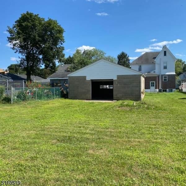 912 Boesel Ave, Manville Boro, NJ 08835 (MLS #3747598) :: The Dekanski Home Selling Team