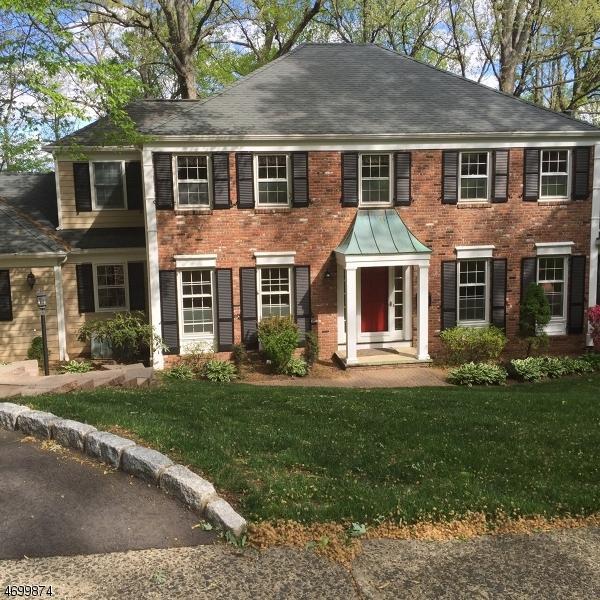 61 Colchester Rd, New Providence Boro, NJ 07974 (MLS #3384447) :: The Sue Adler Team