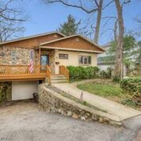 34 Lakewood Dr, Denville Twp., NJ 07834 (MLS #3392579) :: The Dekanski Home Selling Team