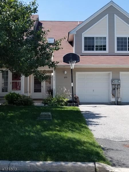 293 Falcon Ridge Way S, Hamburg Boro, NJ 07419 (MLS #3404560) :: The Dekanski Home Selling Team