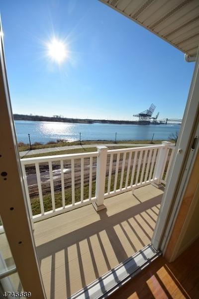 1 Harbor Front Ter D1, Elizabeth City, NJ 07206 (MLS #3417305) :: SR Real Estate Group