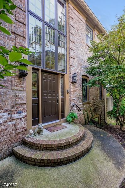 3 Dearburn Ct, Florham Park Boro, NJ 07932 (MLS #3420866) :: The Dekanski Home Selling Team