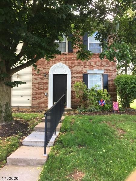 1401 Boxwood Dr, Branchburg Twp., NJ 08876 (MLS #3421902) :: The Dekanski Home Selling Team