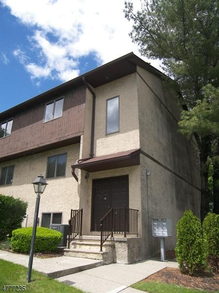 923 Van Houten Ave  B6 B6, Clifton City, NJ 07013 (MLS #3446024) :: Pina Nazario