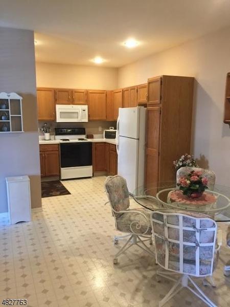 6402 Richmond Rd #402, West Milford Twp., NJ 07480 (MLS #3492676) :: RE/MAX First Choice Realtors