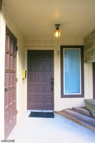 31 Chelsea Way #31, Bridgewater Twp., NJ 08807 (MLS #3508936) :: The Dekanski Home Selling Team