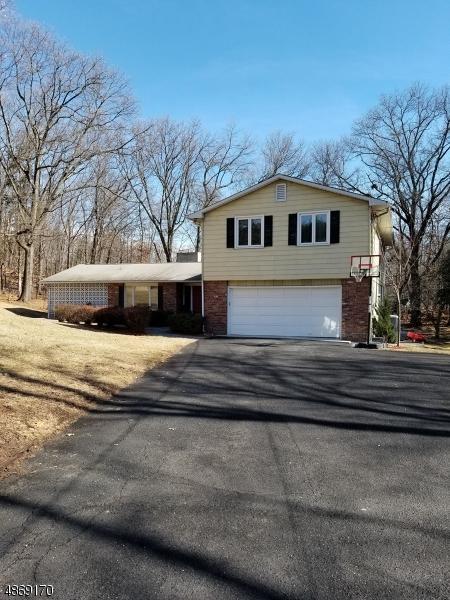 3 Fox Ridge Rd, Sparta Twp., NJ 07871 (MLS #3530576) :: Coldwell Banker Residential Brokerage