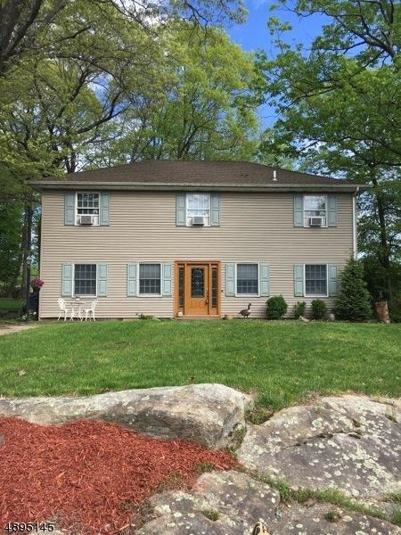 81 Cayuga Ave, Rockaway Twp., NJ 07866 (MLS #3554986) :: The Dekanski Home Selling Team