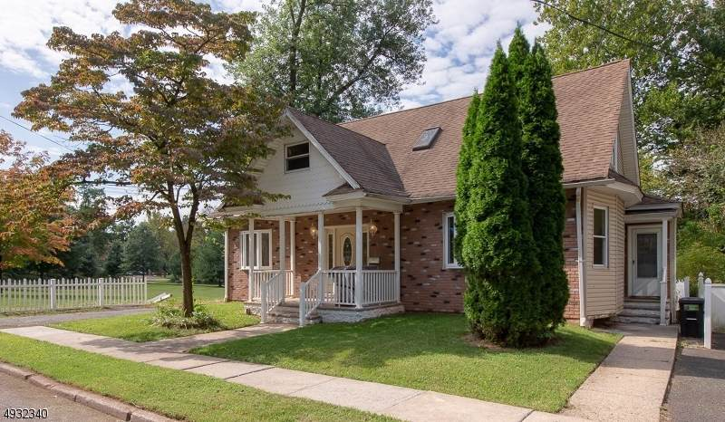 172 Linden Ave - Photo 1
