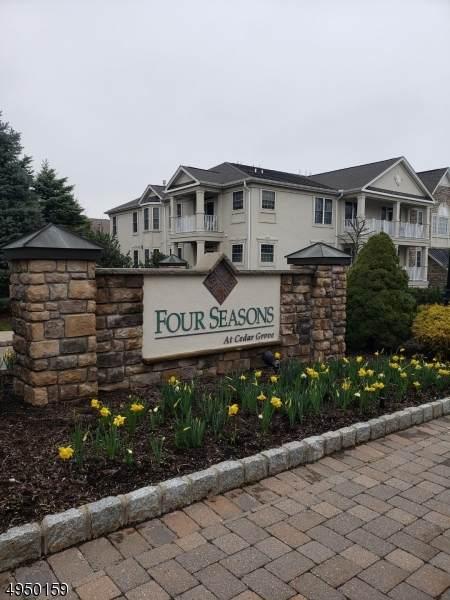 409 Holly Ln #409, Cedar Grove Twp., NJ 07009 (MLS #3605553) :: The Sikora Group