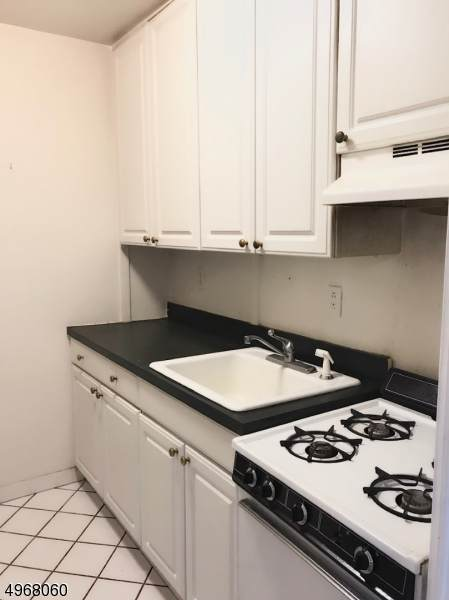 201 St Pauls Ave 4B, Jersey City, NJ 07306 (MLS #3620784) :: The Lane Team