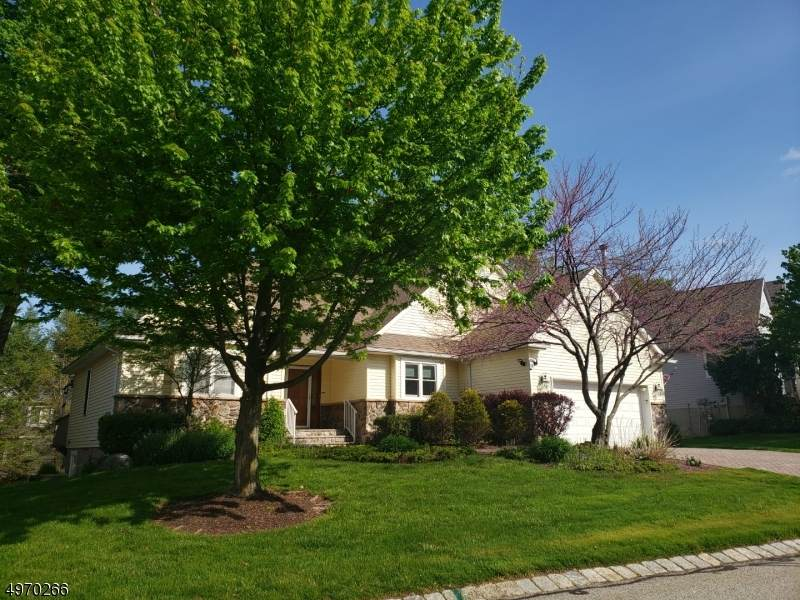 11 Country Ln - Photo 1