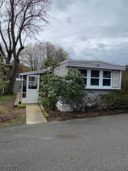 195 W Main St, Chester Boro, NJ 07930 (MLS #3626923) :: The Sikora Group