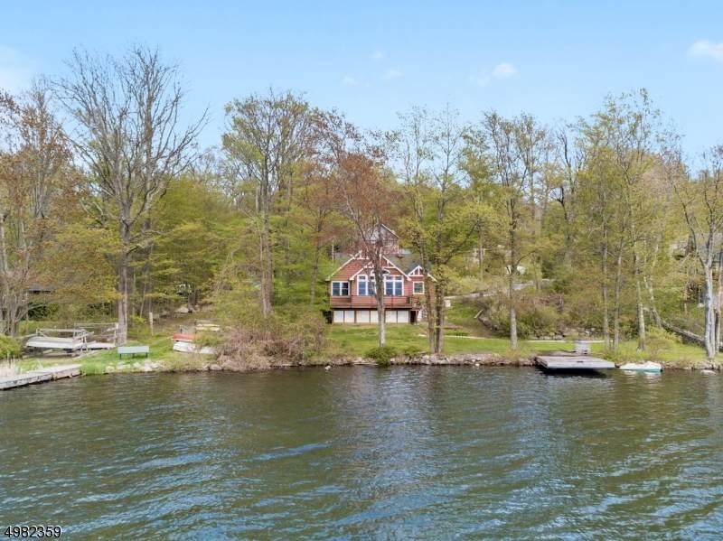 1073 Lakeside Drive East - Photo 1