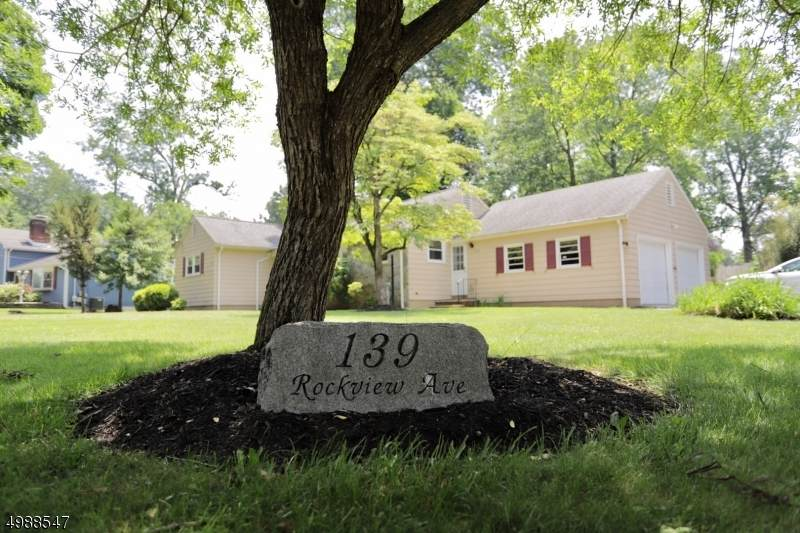 139 Rockview Ave - Photo 1