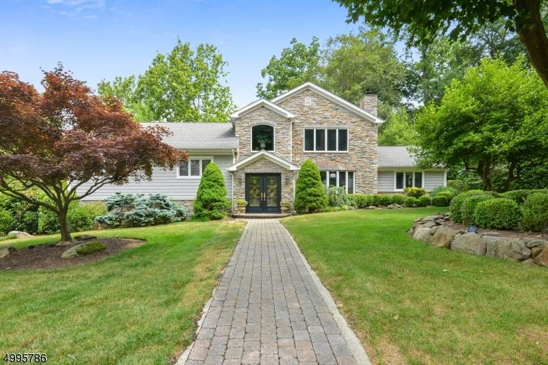 33 Holly Dr - Photo 1