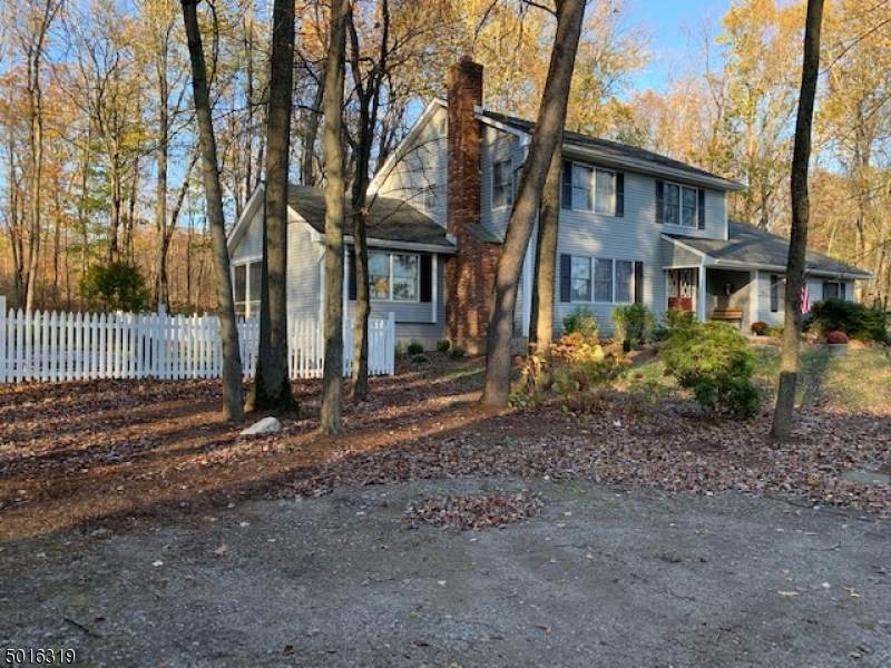 4 Pond View Dr - Photo 1