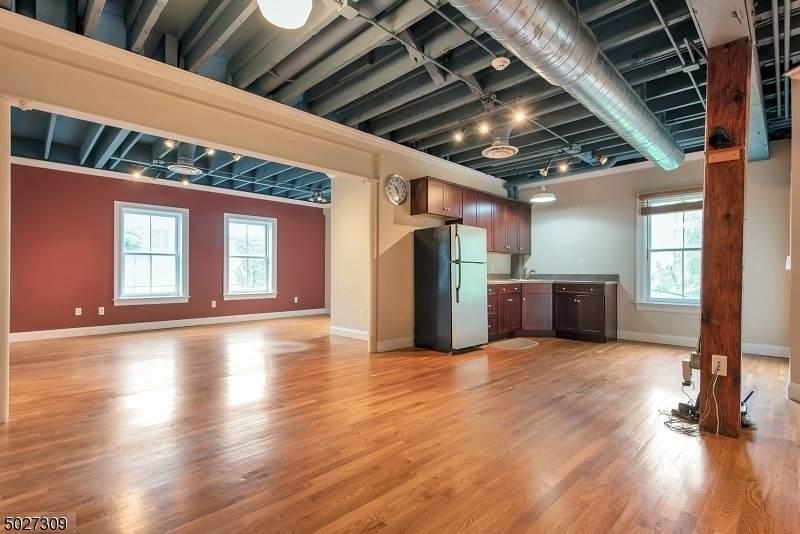 310 Main St - Lower Level - Photo 1
