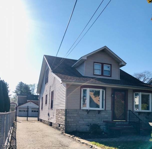 11 Greenwch St, Riverdale Boro, NJ 07457 (MLS #3679415) :: The Karen W. Peters Group at Coldwell Banker Realty