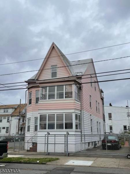 105 23RD AVE - Photo 1