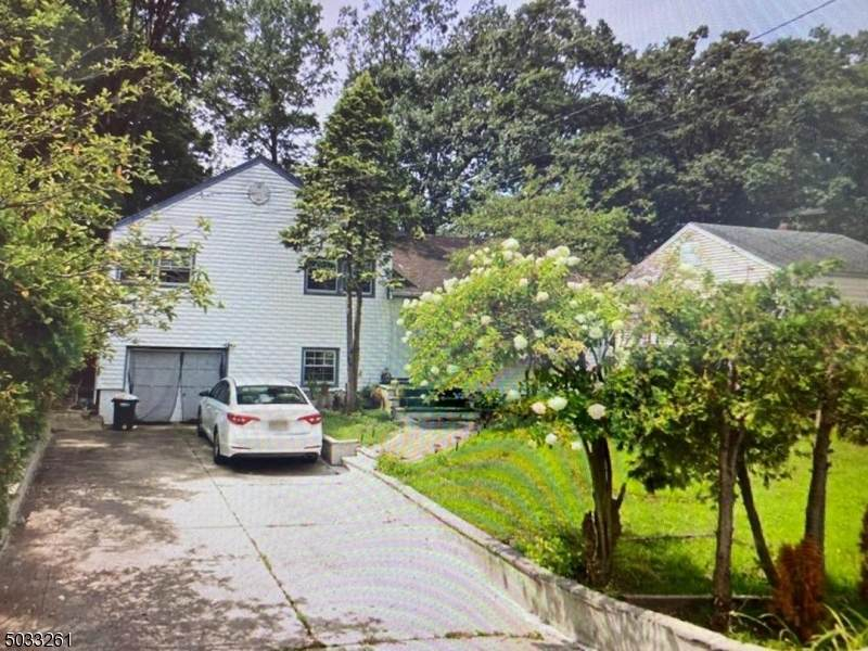 1296 Rahway Ave - Photo 1