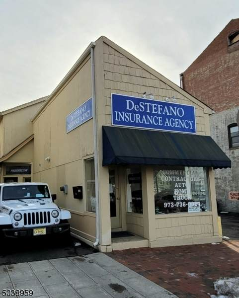 10 Northfield Ave - Photo 1