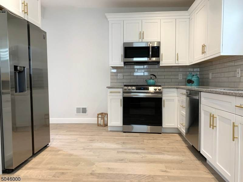 132 Forest St - Photo 1
