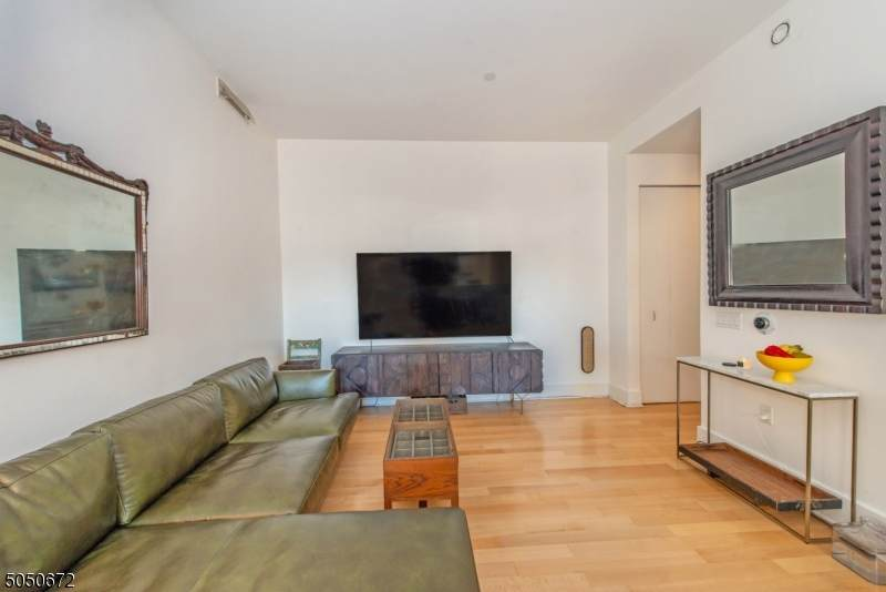 4 Beacon Way - Photo 1