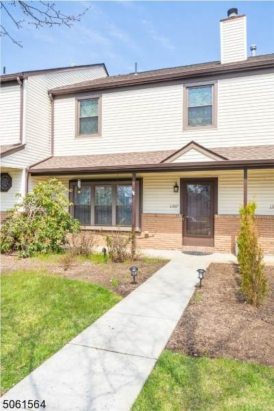 1307 Thomas Ave, North Brunswick Twp., NJ 08902 (MLS #3703557) :: SR Real Estate Group