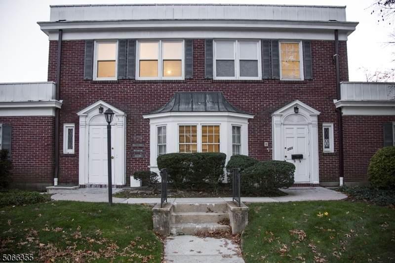 203 Lawrence Avenue - Photo 1