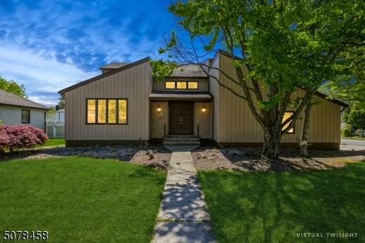 555 Ashwood Rd, Springfield Twp., NJ 07081 (MLS #3718397) :: The Dekanski Home Selling Team