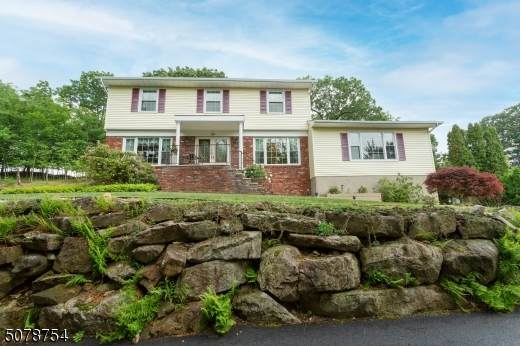 59 Whitewood Dr, Parsippany-Troy Hills Twp., NJ 07950 (MLS #3718673) :: The Sue Adler Team