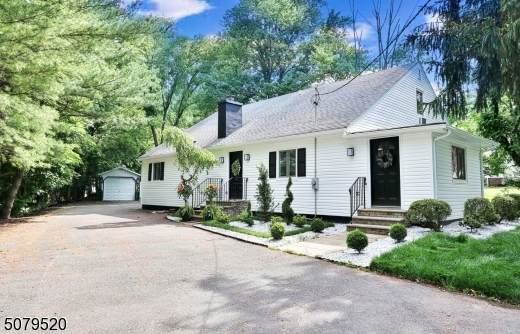 209 E Northfield Rd, Livingston Twp., NJ 07039 (MLS #3719389) :: SR Real Estate Group